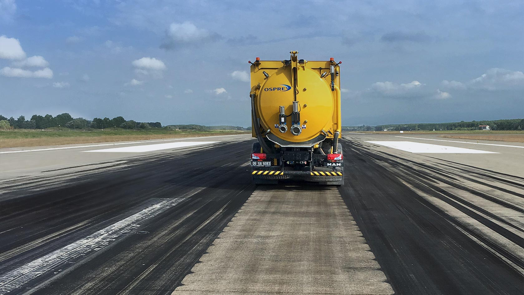Rubber removal for airports